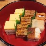 117575510 - 箱寿司