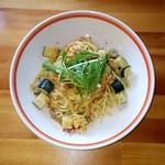 オレンジカウンティダイナー - アサリとズッキーニのホワイトソース