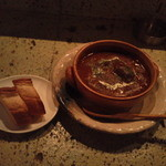 リトルキッチン - 牛すじの赤ワイン煮込み(デミグラスソース仕立て)\680