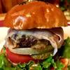 山形ステーキ&カフェレストラン 飛行船 - 料理写真:「ゴルゴンゾーラチーズのせ米沢牛ハンバーガー」★★テレビで何度も紹介されました! 当店の大ヒット商品です★★日本三大和牛のひとつ「米沢牛」100%使用!!あふれる肉汁におぼれる!ほどのジューシーさです。 そのボリュームにきっと満足していただけるはず。ビールやワインを飲みながらもアリです。