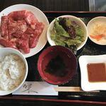 焼肉ドラゴ - ランチカルビ定食 M ゴハン少なめ