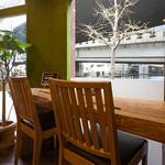 葱料理 shin's place - 窓側