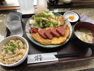 琉球茶屋 くわっち~ - ポーク玉子定食 880円税込