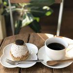 手作りのケーキ屋さん リトルデコ - 料理写真:チョコバナナパイとブレンドコーヒー