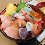 117606331 - 海鮮丼
