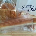 パン工房 ぴぃぷる - 料理写真:母が買ってきてくれた(* ´ ▽ ` *)