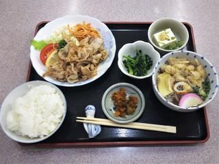 京助 - 日替りおふくろ定食750円
