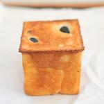 サイドウォークスタンド イノカシラ - 黒豆パン