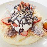 ALOHA Kitchen - 焼きバナナパンケーキ月~金 ディナータイム(17:30~22:30 ラストオーダー22:00)でのご提供になります。