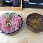 生マグロ直売所 中筋水産 - マグロ盛り放題 中落ち盛り丼(マグロ丼)
