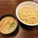 Tsurumen - 料理写真:鶏白湯つけ麺