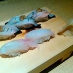 117629215 - もちマグロ(3カン) 420円、佐渡産キジハタ (2カン) 420円