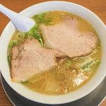 なおちゃんラーメン - 料理写真:「ワンタンメン」(800円)をいただきました。