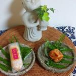 ラウンジ ダコタ - 付録    ありがとう❣️      白浜町の銘菓 かげろう   と  梅干し      美味しかったあ 〜〜   (*^-^*)