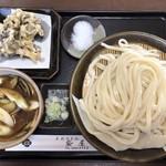 117639886 - ・豚バラつけ麺 1,000円                         ・舞茸天 200円