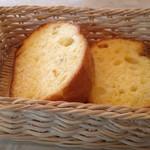 TUTTI - Cランチのガーリックトースト