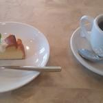 TUTTI - Cランチのデザートとコーヒー