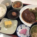八洋 - 煮込みハンバーグ定食♪ 900円