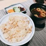 割烹 おみたま - 松茸ご飯、赤出汁、香の物