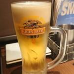 117687017 - 生ビール。