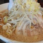 らーめん弁慶 - 背脂まみれの丼