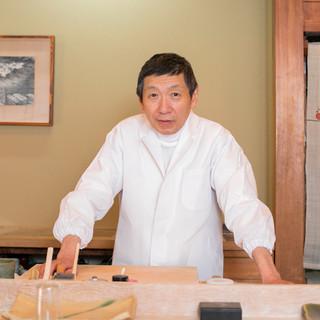 横澤勝美氏(ヨコサワカツミ)─妥協を許さぬ生粋の鮨職人