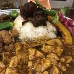 大衆中遊華食堂八戒 - 四川麻婆豆腐カリィ、魯肉