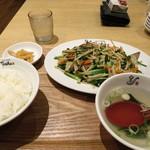 れんげ食堂 Toshu - レバニラ炒め定食 650円
