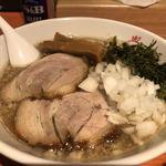 Mensakabamagari - 燕三条醤油らぁ緬 大盛り 850円