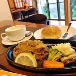 カフェレストラン Lust  - 料理写真:絶品キノコハンバーグ