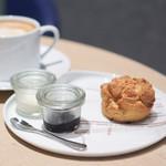 KASHIYAMA DAIKANYAMA CAFE  - スコーン バニラ