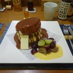 紅鶴 - 蜂蜜とバター(トッピングに季節の果物とチョコレートソース)