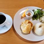 ベーカリーカフェ そらとうみ - 料理写真:モーニング(全体)