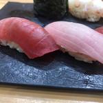 つきぢ神楽寿司 - 横綱1840円(税込み)。中トロ、ブリ、ウニ。この3種とイカ(塩)が、とても美味しかったでし(╹◡╹)