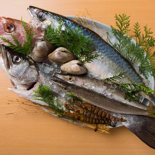 鮮魚、旬菜…厳選を重ね選び抜いた食材で、最高の逸品を。