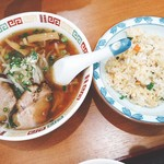 本格中国料理 錦華 - 料理写真:ラーメンチャーハン