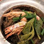 Taiyataikaokaokao - エビと春雨の蒸鍋