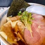 らーめん 稲荷屋 - 料理写真:ワンタン麺