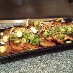 味の店たこ坊 - 豚焼肉。 九条ネギのトッピング