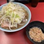 ラーメン二郎 - 料理写真:【2019.9.8】小ラーメン豚入り840円+甘〜い脂50円