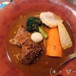 117809445 - 豚の角煮SOUP CURRY煮干ラーメン[ミニライス付](900円)