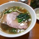 和風らーめん 金子 - 料理写真:昔ながらの中華そば(600円)