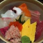 いざかや 漁火 - 海鮮丼アップ