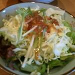 ハルコロ - (2012年2月再訪)サラダは…水菜、キュウリ、レタスをドレッシングで♪