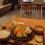 CAFE 颯日 - 料理写真:日替りランチ  本日はチキンカツ