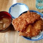 安田屋 - わらじカツ丼(2枚)(850円)