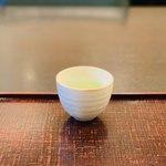 喜一 - ドリンク写真:ウェルカム茶