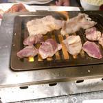 今日、豚の気分なんです - 焼肉食べ放題(980円)