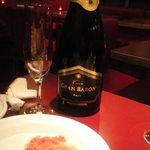 ミシマ - カルパッチョとスパークリングワイン