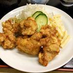 お食事処 三太 - 料理写真:唐揚げ モモ肉で味がついてます